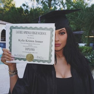 Kylie-Jenner-High-School-Graduation-Party